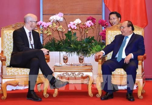 2018년 아세안 세계 경제 포럼, 응우엔 쑤언 푹 (Nguyễn Xuân Phúc) 국무총리 패스북  대표 접견 - ảnh 1