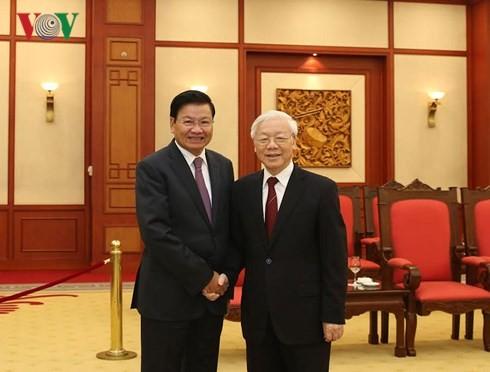 Nguyen Phu Trong 총서기장; Thongloun Sisoulith 라오스 총리 회견 - ảnh 1