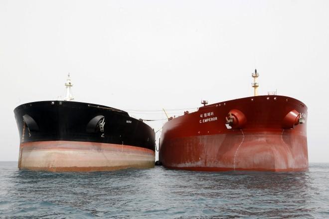 한국은 이란의 석유 수입을 중단한 첫 국가 - ảnh 1