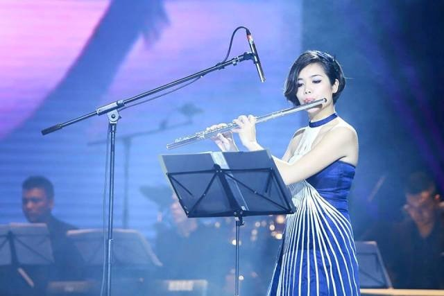 플룻 티스트 레 트 흐엉 (Lê Thư Hương), 국제 연주회에서 베트남 음악 소개 - ảnh 1