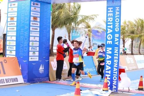 국제 유산 하롱 베이 마라톤 - ảnh 1