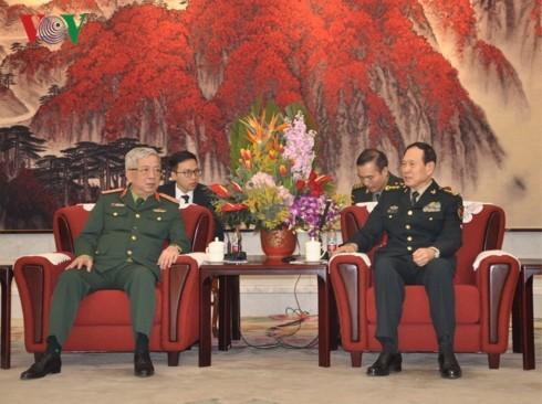 응우엔 치 빈 베트남 국방부 차관, 웨이펑허 중국 국방부 장관 회담 - ảnh 1