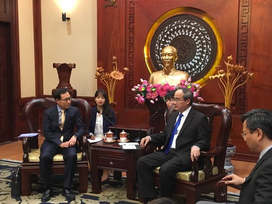 호찌민시 당위원회 서기장, 삼성전자 베트남 대표이사 접견 - ảnh 1