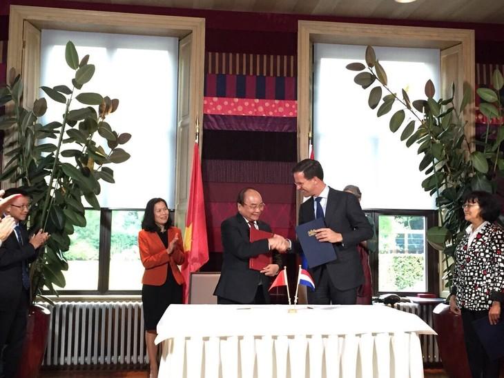 베트남과 네덜란드 간의 협력 관계 확대 및 심화 - ảnh 1