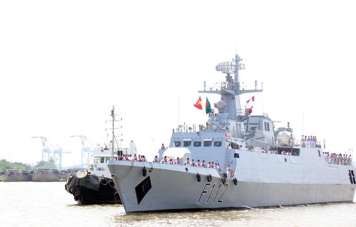 방글라데시 해군경비정, 호찌민시 친선방문 - ảnh 1