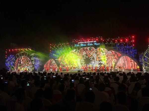 탄화 성, 섬선해변 관광축제 개막 - ảnh 1