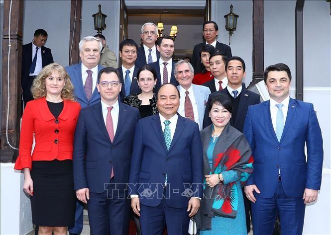 베트남과 루마니아, 체코 간의 커다란 협력 공간 열어 - ảnh 1