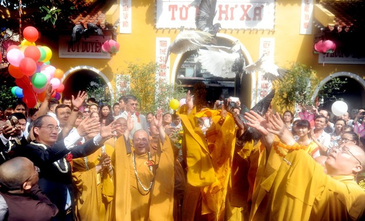 베트남에서의 제 16차 UN 부처님 오신 날 행사 축전 - ảnh 1