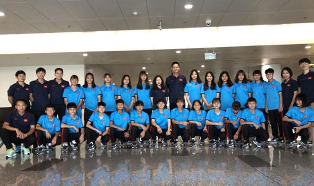 U15 여자 베트남은 2019 동남아 여자 U15 축구 챔피언십에 참가하기 위해 태국으로 건너갔다 - ảnh 1