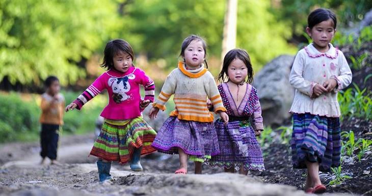 2019아동을 위한 행동의 달, 빈곤층 및 불우 아동들을 위해 함께하다 - ảnh 1
