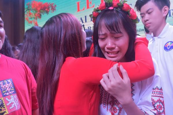 Xúc động giây phút bế mạc Trại hè Việt Nam 2017 - ảnh 7