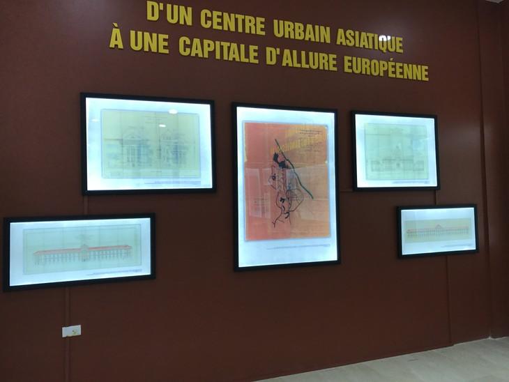 """Ngắm nhìn những ký ức đi cùng năm tháng trong triển lãm """"Dấu ấn văn hóa Pháp qua tài liệu lưu trữ"""" - ảnh 4"""