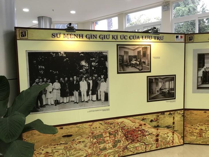 """Ngắm nhìn những ký ức đi cùng năm tháng trong triển lãm """"Dấu ấn văn hóa Pháp qua tài liệu lưu trữ"""" - ảnh 2"""