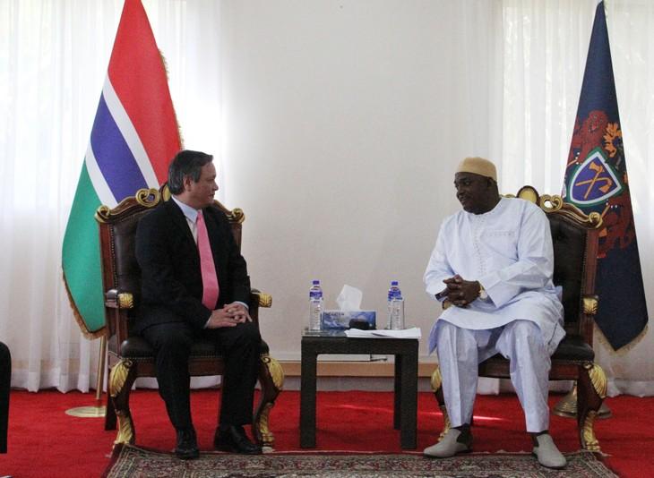 Đại sứ Việt Nam tại Gambia trình Quốc thư - ảnh 4