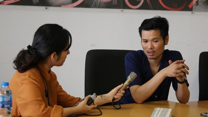 """Sebatien Lý: """"Tôi muốn tạo ra sự kết nối mạnh mẽ giữa công chúng Việt Nam và nghệ thuật"""" - ảnh 1"""