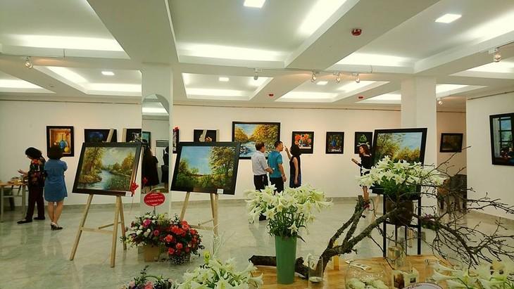 Xúc động câu chuyện tình yêu của cặp vợ chồng hoạ sĩ Việt kiều - ảnh 4