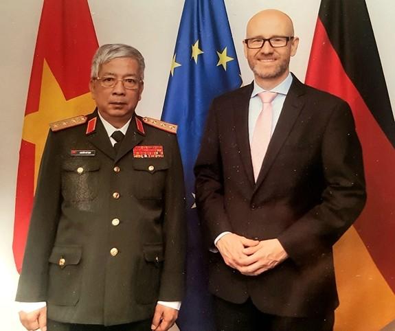 Thúc đẩy hợp tác quốc phòng giữa Đức và Việt Nam - ảnh 1