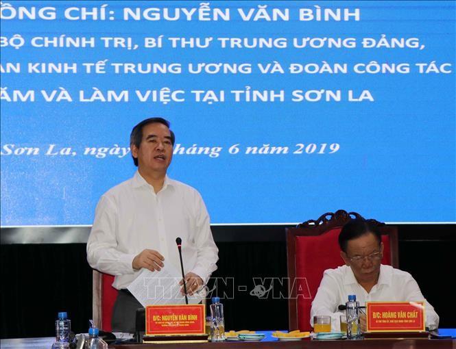 Trưởng Ban Kinh tế Trung ương Nguyễn Văn Bình làm việc với tỉnh Sơn La - ảnh 1
