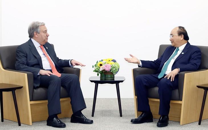 Thủ tướng Nguyễn Xuân Phúc thảo luận giải pháp tăng cường hợp tác song phương với với lãnh đạo các nước dự G20 - ảnh 4