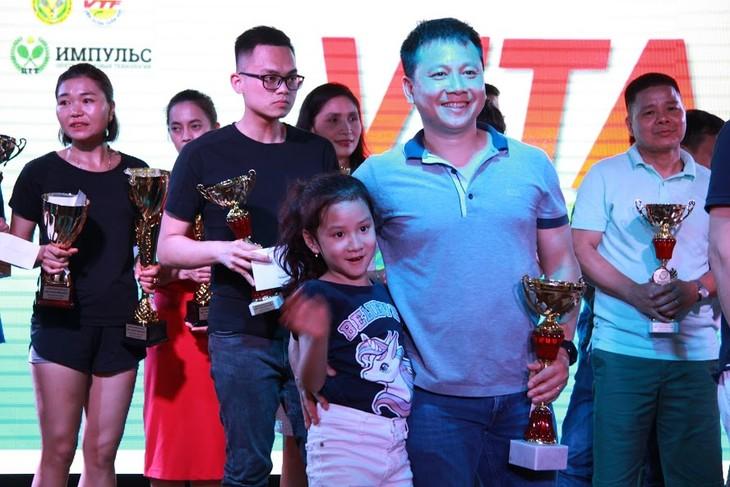 Giải quần vợt ViTAR: Thắt chặt tình đoàn kết trong cộng đồng người Việt tại châu Âu - ảnh 1
