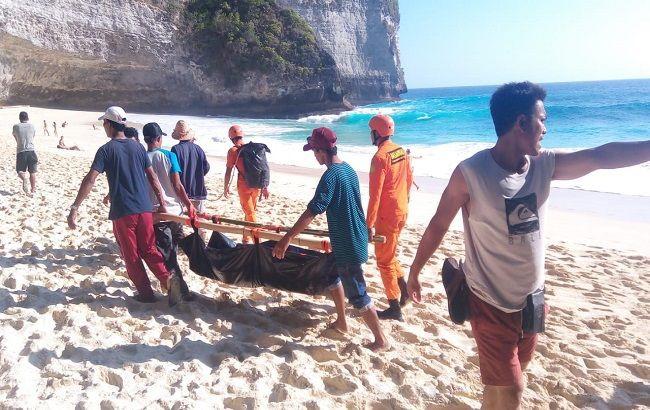 Đại sứ quán Việt Nam tại Indonesia hỗ trợ đưa thi thể nạn nhân tử nạn trên bãi biển Bali về nước - ảnh 1