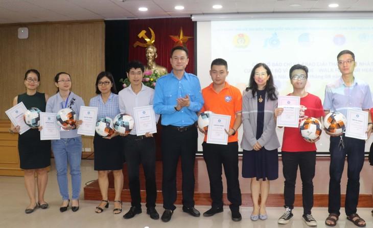 100 tập thể và cá nhân được trao giải cuộc thi đi bộ vì sức khỏe  - ảnh 1