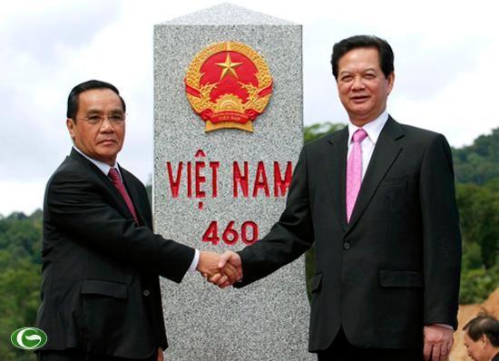 Vietnam dan Laos  menyelesaikan sistim tonggak  perbatasan  modern dan  abadi - ảnh 1