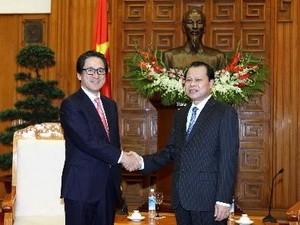 Deputi PM Vietnam Vu Van Ninh  menerima Presiden merangkap  Direktor Jenderal Badan Promosi Dagang Jepang - ảnh 1