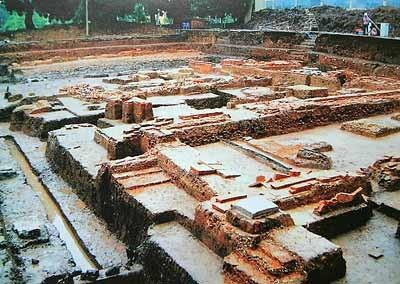 Kota Hanoi menggelarkan banyak solusi untuk menjaga pusaka benteng Thang Long - ảnh 1