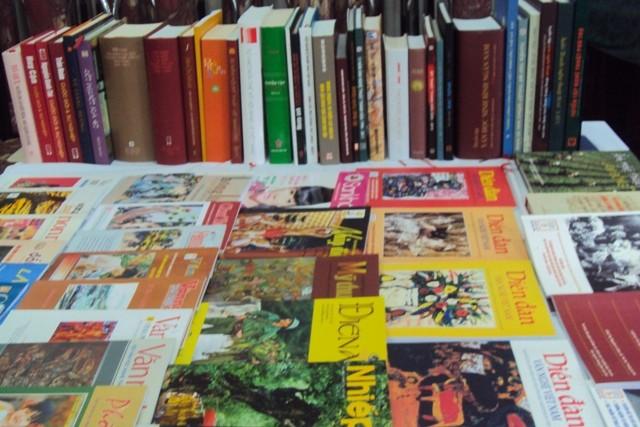 Memperingati ultah ke-65 Berdirinya  Gabungan Asosiasi Sastra  dan  Seni Vietnam - ảnh 1