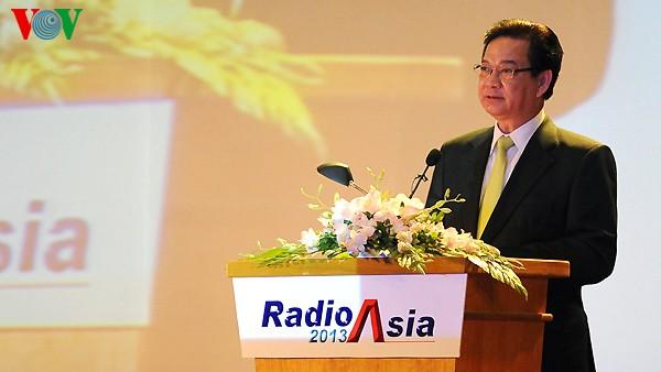 Pembukaan Konferensi Radio Asia -2013 di kota Hanoi. - ảnh 1