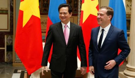 Perdana Menteri Federasi Rusia melakukan kunjungan resmi di Vietnam - ảnh 1