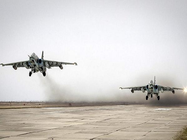 Serangan udara  terus berlangsung di kawasan-kawasan yang dikontrol kaum pembangkang di kota Allepo - ảnh 1