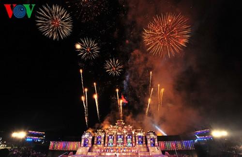Открытие фестиваля Хюэ-2014 - ảnh 13