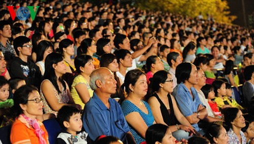 Открытие фестиваля Хюэ-2014 - ảnh 16