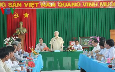 Генсек ЦК КПВ Нгуен Фу Чонг провел рабочую встречу с руководителями провинции Ниньтхуан - ảnh 1