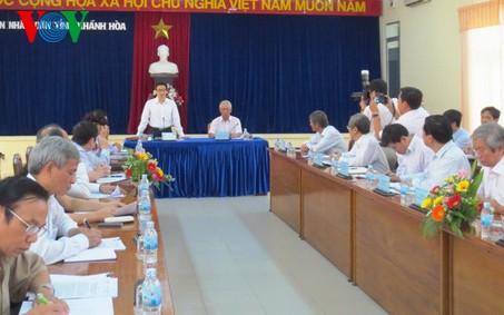 Вице-премьер Ву Дык Дам провел рабочую встречу с руководителями провинции Кханьхоа - ảnh 1