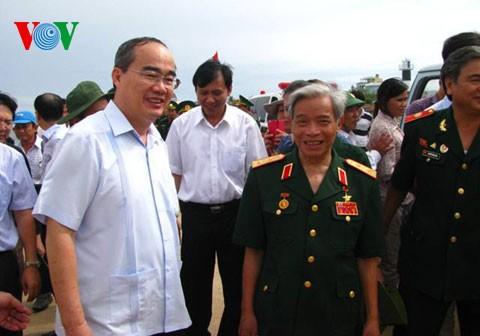 Глава ОФВ Нгуен Тхиен Нян посетил островной уезд Лишон провинции Куангнай - ảnh 1
