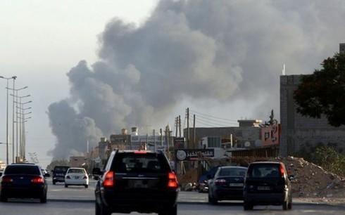 Многие страны призывают своих граждан покинуть Ливию - ảnh 1