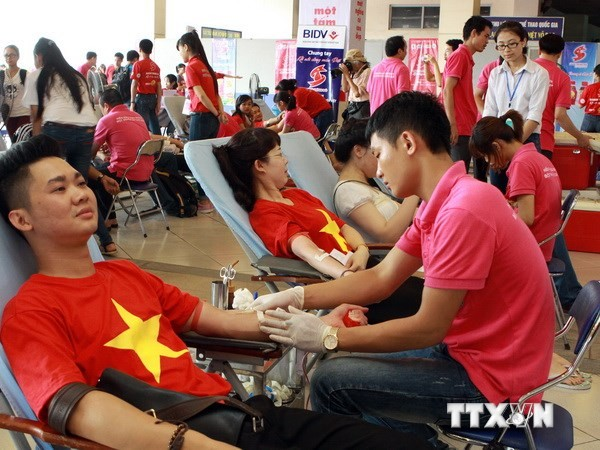 Красные маршруты 2014 года: собрано около 48 тысяч единиц крови - ảnh 1
