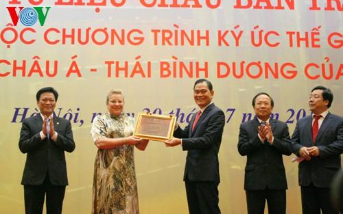 Получено Удостоверение о признании административных документов династии Нгуен мировым наследием - ảnh 1