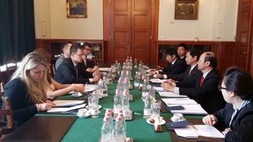 Вьетнам и Венгрия договорились активизировать сотрудничество в разных сферах - ảnh 1