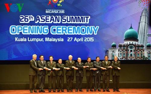 Премьер Вьетнама принял участие в церемонии открытия 26-го саммита АСЕАН - ảnh 3
