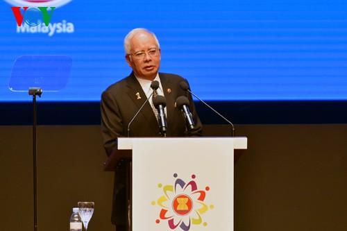 Премьер Вьетнама принял участие в церемонии открытия 26-го саммита АСЕАН - ảnh 2