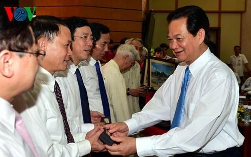 Нгуен Тан Зунг: Вьетнамская пресса развивается и вносит активный вклад в развитие страны - ảnh 1