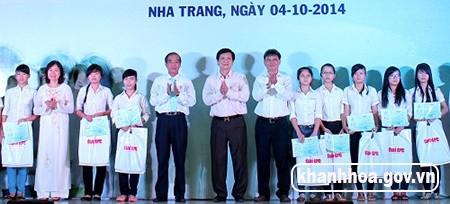 Во Вьетнаме 1500 стипендий предоставлены новым студентам - ảnh 1
