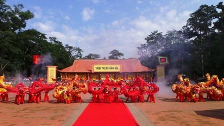 В провинции Тханьхоа состоялся праздник «Ламкинь» 2015 года - ảnh 1