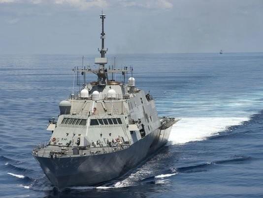 США проинформировали страны АСЕАН об отправке военных кораблей в Восточное море - ảnh 1