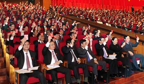 На 12-м съезде КПВ продолжала обсуждаться кадровая работа ЦК КПВ 12-го созыва - ảnh 1
