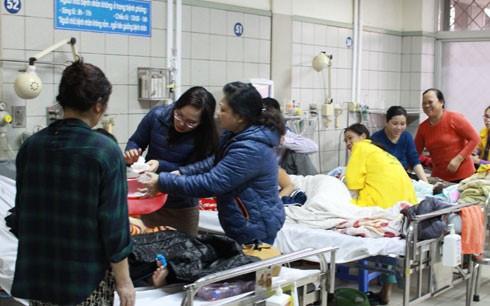 Минздрав Вьетнама потребовал увеличить помощь пациентам в холодные дни - ảnh 1